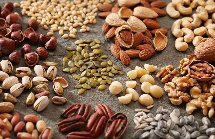 Alasan Kenapa Kacang dan Biji-bijian Jadi Camilan Tepat saat Bekerja Dari  Rumah | YesDok